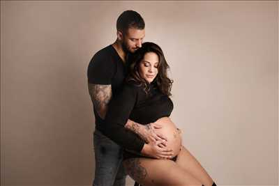 photo prise par le photographe Mélanie à Martigues : shooting grossesse