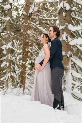 Exemple de shooting photo par Mona à Chamonix-mont-blanc : shooting photo spécial grossesse à Chamonix-mont-blanc