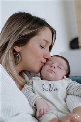 Shooting photo effectué par le photographe Alexia à Annecy : shooting pour une naissance