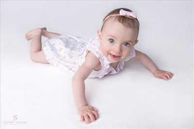 Shooting photo effectué par le photographe Aurélie à Bourgoin-jallieu : photographe pour bébé à Bourgoin-jallieu